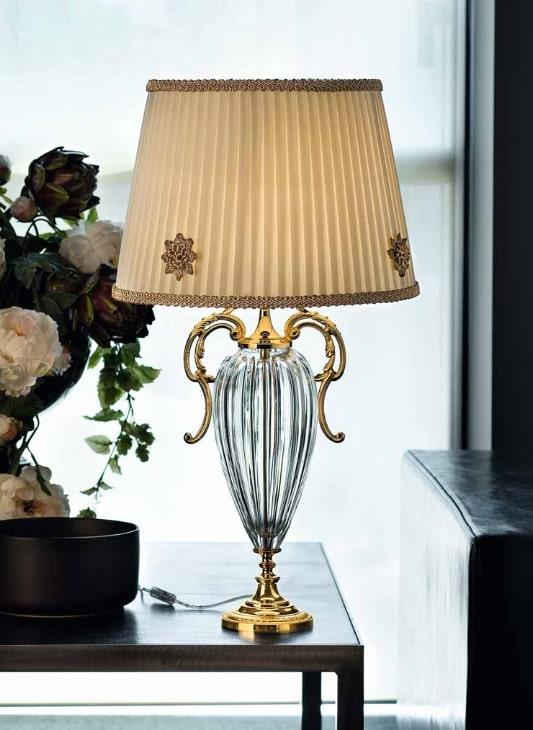چراغ رومیزی کلاسیک